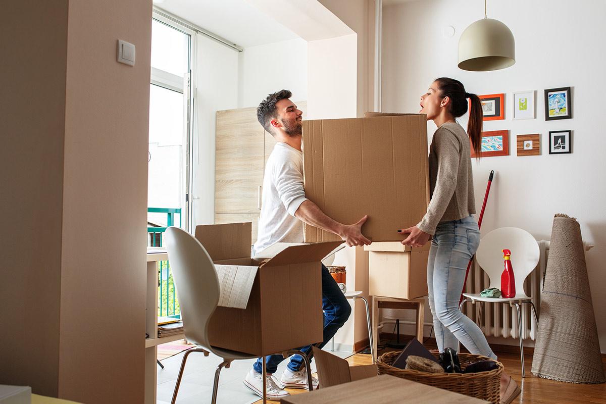 Miten pakata muuttokuorma oikein? Lue vinkit.